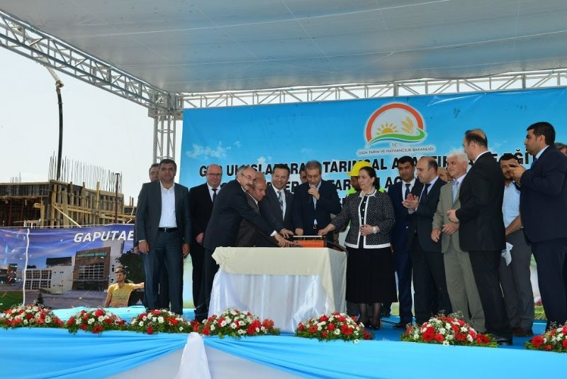 Minister Eker Opens The Solar Power Plant To Service